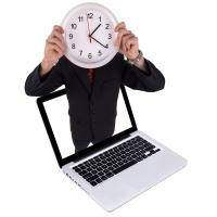 fotolia_25583196_man_holds_clock_in_laptop_copyright_ra2_studio_200_200.jpg